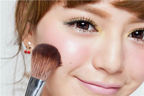 夏季化妆常识,化淡妆才能防晒