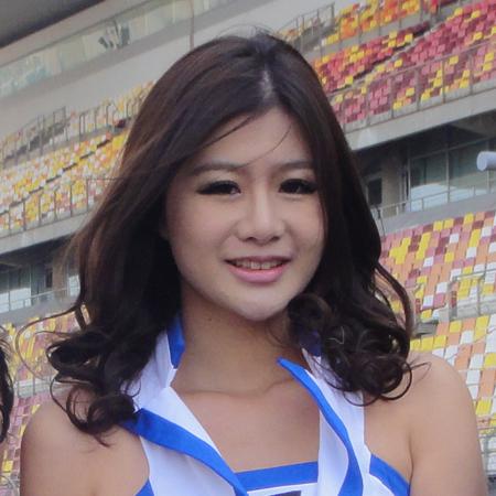 上海冠军赛车嘉年华 柯模思师生负责模特彩妆