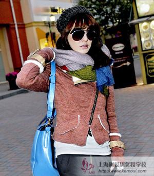 2011冬季流行什么新款的围巾棒针围巾混搭时尚潮流