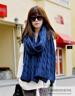 2011冬季流行什么新款的围巾?棒针围巾混搭时尚潮流