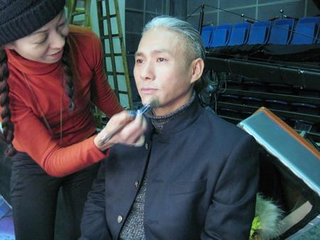 齐乐国际娱乐网站_化妆学校《中国达人秀》现场化妆