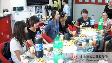 2011世界人体彩绘大赛中国选手载誉归国