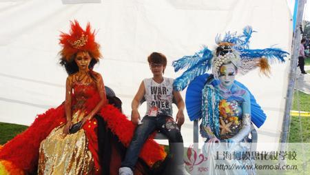 2011世界人体彩绘大赛上中国参赛选手与作品