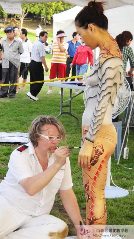 2011国际人体彩绘节上德国著名彩绘大师