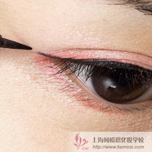 新手怎么化妆?教菜鸟画眼妆的化妆技巧,如何打造基础眼妆