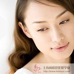 初学者怎么化妆?教你化妆最基础的化妆步骤