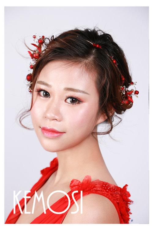 丽江做化妆师