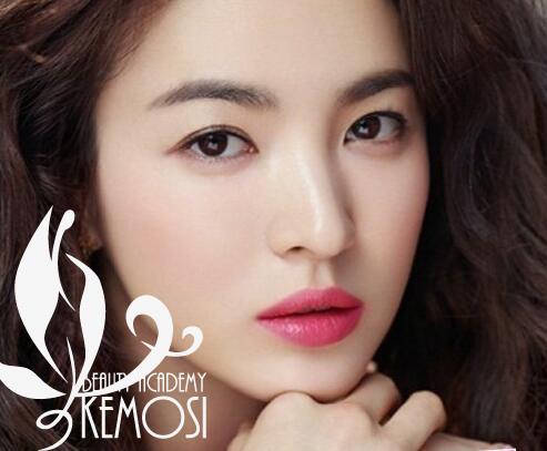 柯模思韩式化妆