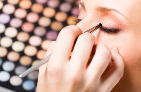 偏肿的单眼皮眼妆怎么画眼妆干货