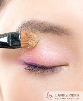 柯模思教你新手画韩式淡妆的步骤,简单8步