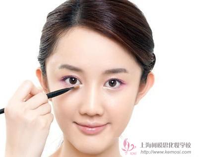 韩式淡妆的步骤